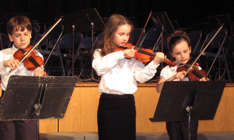 3 kids in concert